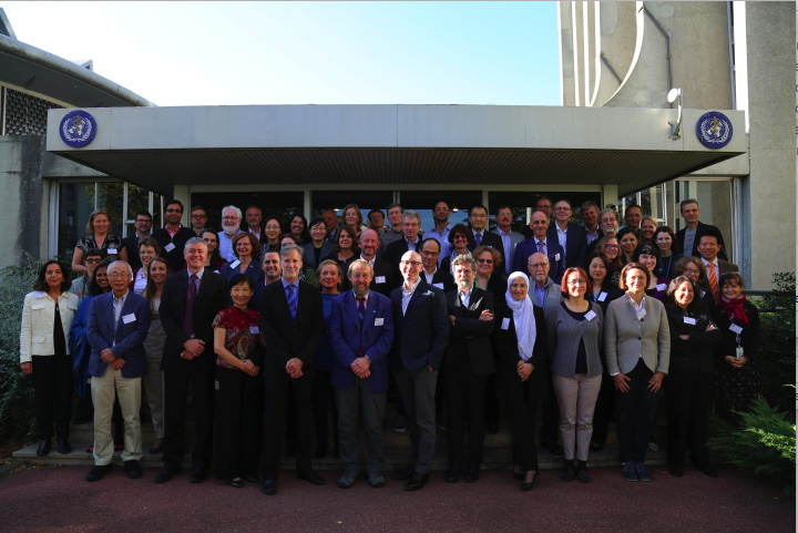 Luoping Zhang (front row, third from left) evaluated benzene carcinogenicity with the IARC Working Group in Lyons, France (Oct 2017)
